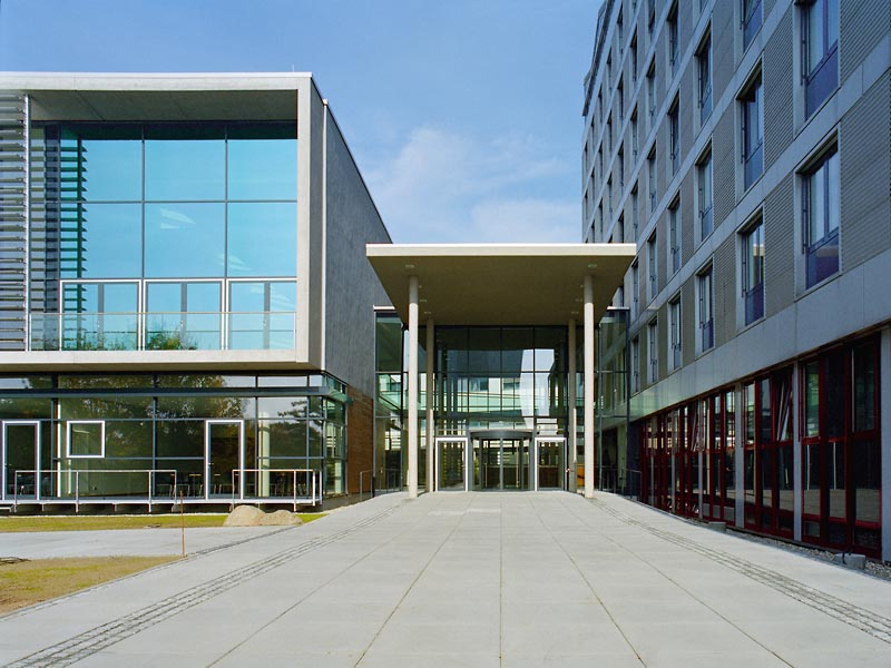 Umbau Landratsamt des Kreises Groß-Gerau mit Neubau Parlaments- und Konferenztrakt