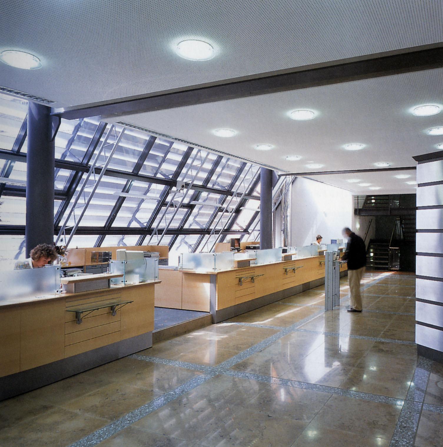 Bank- und Bürogebäude Finsterwalde